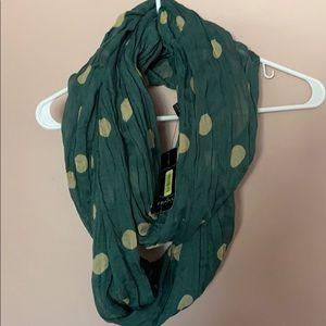 Loop neck shawl